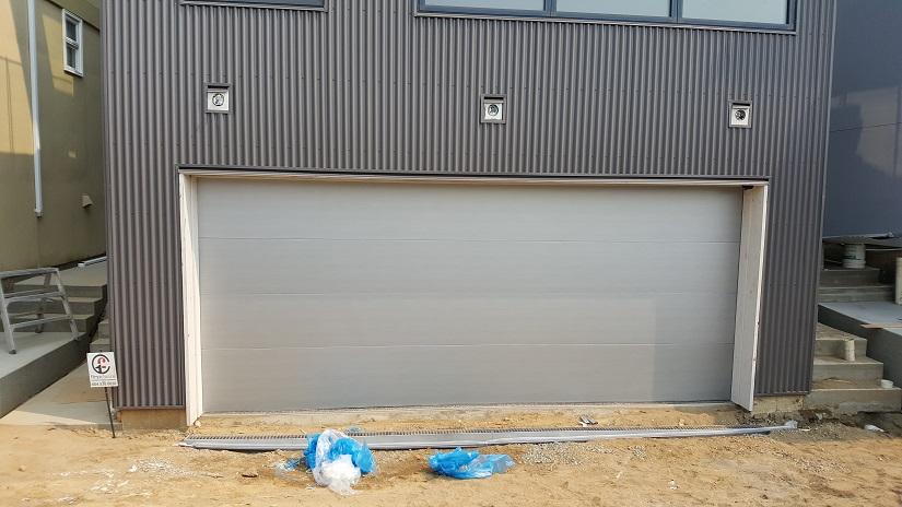 how to build a garage door panel